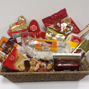 Frohe Weihnachten  (A German Christmas Basket) Product Image